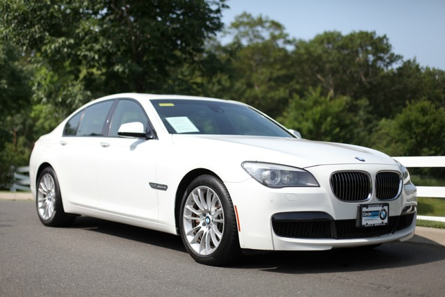Pre-Owned 2011 BMW 7 Series 4dr Sdn 750i xDrive AWD