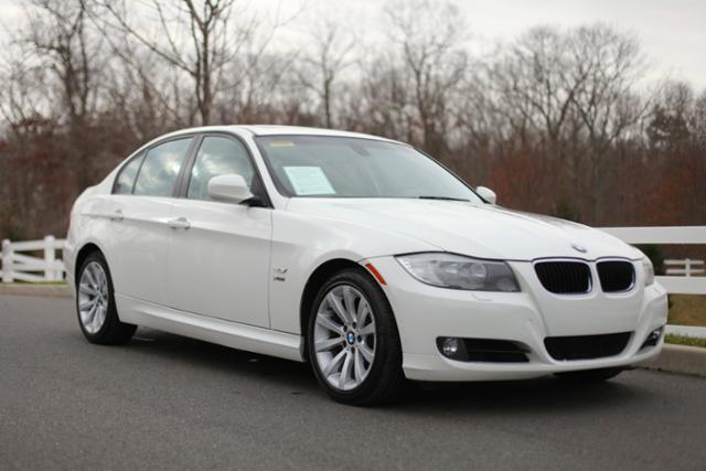 Pre-Owned 2011 BMW 3 Series 4dr Sdn 328i xDrive AWD SULEV